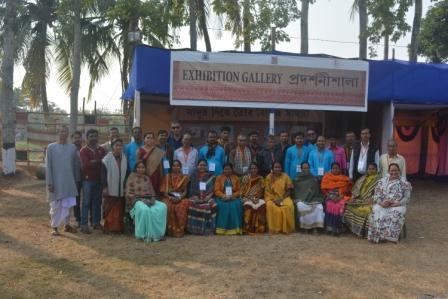 Madur artists of Paschim Medinipur